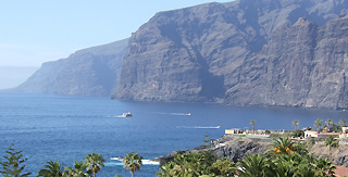 Coast line of Los Gigantes