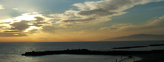 Sunset in Fañabe with view on La Gomera